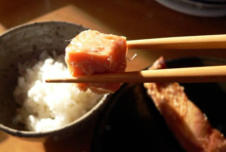 鮭山漬の朝食